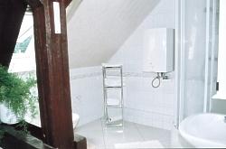 oberes Bad mit Dusche